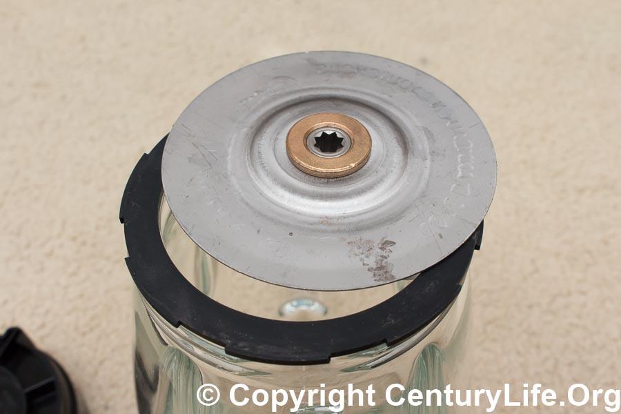 Oster Pro 1200 Plus Jar Base Dismantled